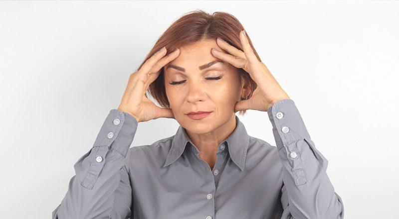 אמא עם כאב ראש